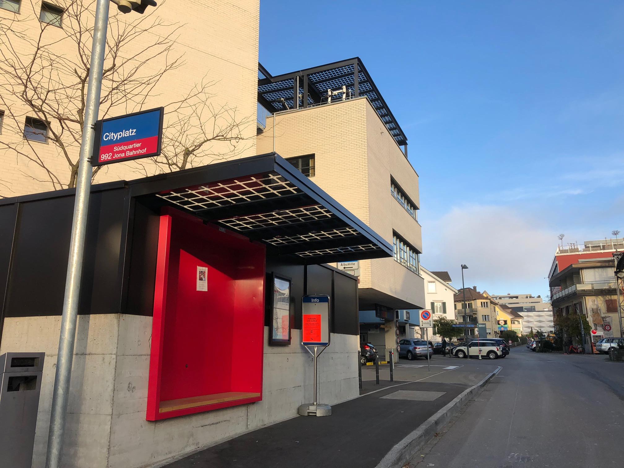 arento_Energieautarkes Bushaus in Rapperswil.jpg